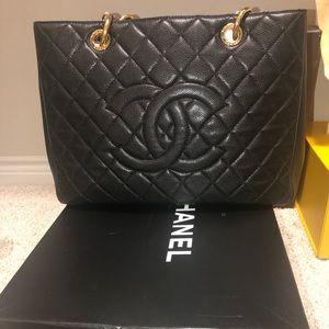 Chanel handbag worn twice ..in excellent condition